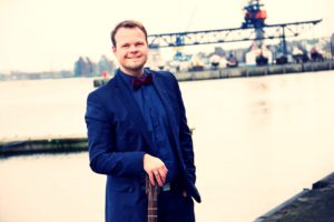 Hochzeitsredner und Sänger Lukas Stifft